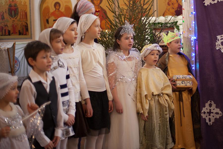 Воскресная школа для детей при храме Святых Царственных Страстотерпцев