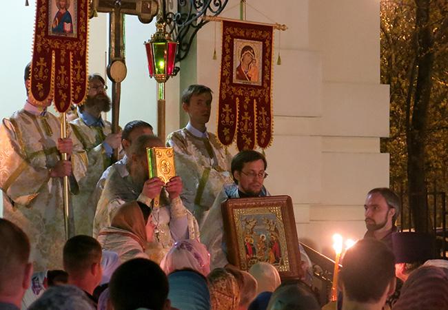 Светлое Христово Воскресение в храме Свв. Царственных Страстотерпцев