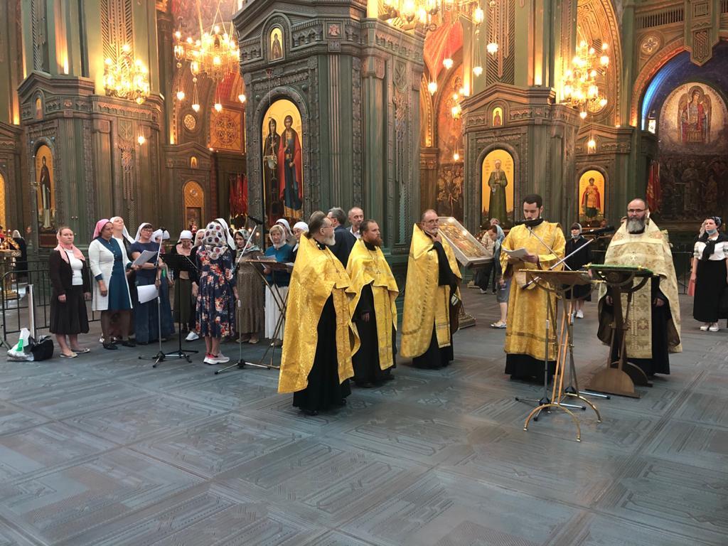 Принесение мощей святителя Луки Крымского